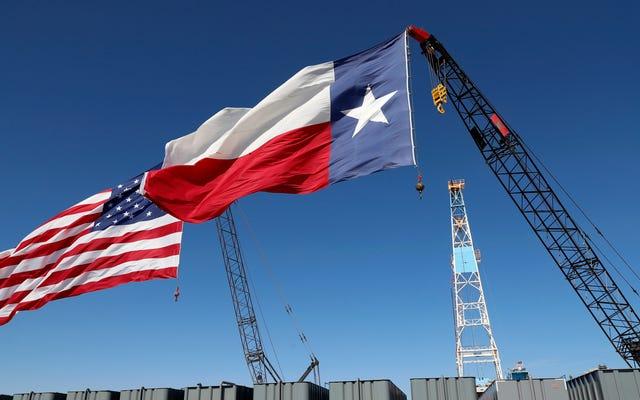 Les négateurs du climat qui réglementent le pétrole et le gaz du Texas ont en quelque sorte évité le contrôle des pannes