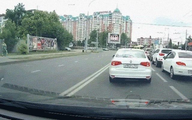 सुपर दुर्लभ अल्टिमा जीटीआर क्रैश रूस में पैसा साबित नहीं होता है