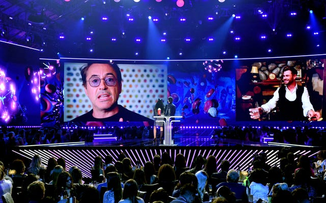 Yenilmezler, MTV Film ve TV Ödülleri'nde bir dizi patlamış mısır ödülü kazandı