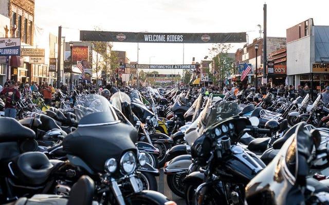 Ưu đãi lớn dành cho xe đạp du lịch sắp có đợt bán bất động sản gần bạn, Sturgis Motorcycle Rally hy vọng sẽ chào đón 250.000