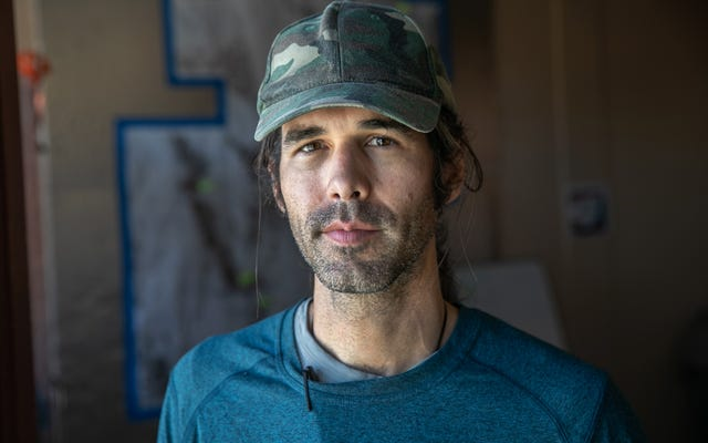 Scott Warren, l'activiste qui a laissé l'eau pour les migrants en Arizona, a été acquitté