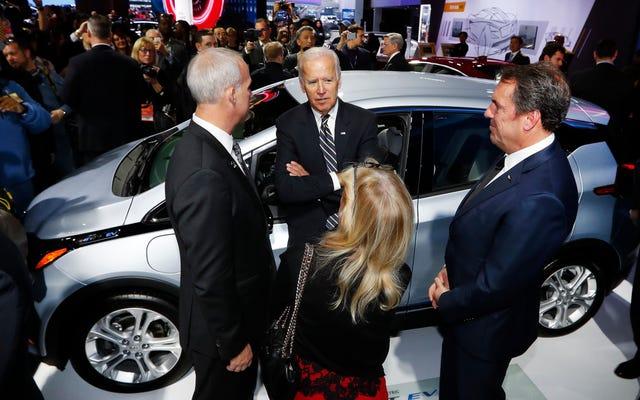 Joe Biden e le case automobilistiche stanno andando sulla stessa pagina