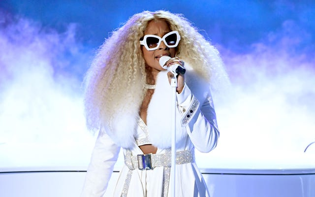 No habrá odio ni gritos en este baile navideño, gracias a Mary J. Blige y Amazon
