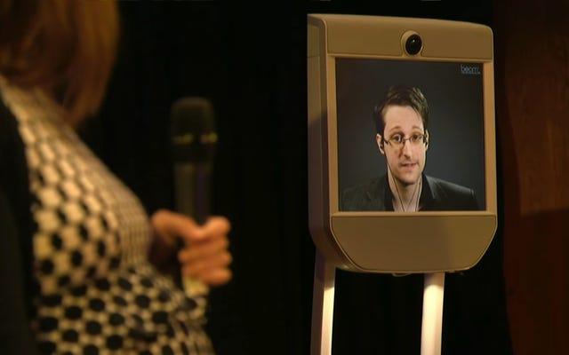 Эдвард Сноуден - гребаный идиот