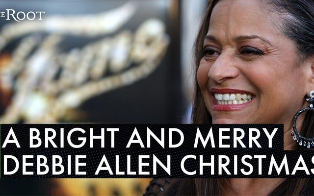 डेबी एलेन की कहानी जेनिफर लेविस के विग के बारे में डॉली पार्टन के क्रिसमस के सेट पर स्क्वायर पर एक उपहार