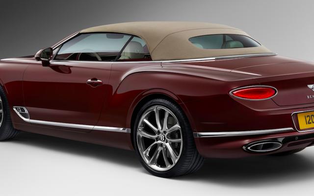 La Bentley Continental GT Cabriolet 2019 a un toit en tweed