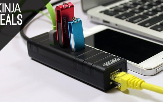 Этот удобный для путешествий USB-концентратор выполняет двойную функцию в качестве адаптера Ethernet