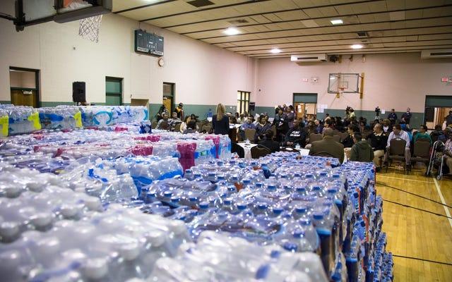 #Flint: 4 Yıla Yaklaşırken, Okullarda Su Hala Yüksek Kurşun Seviyeleri Gösteriyor