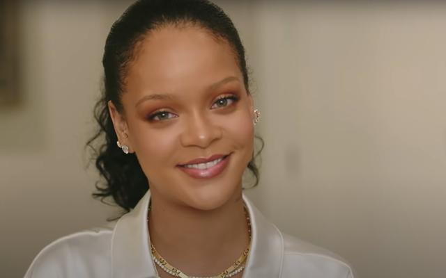 Fenty Skin aidera-t-il notre peau à trouver l'amour dans un endroit sans espoir? Rihanna nous parle de sa nouvelle marque de beauté