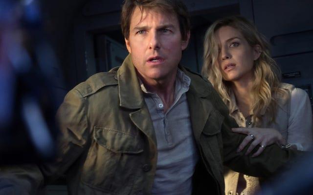 Melihat Tom Cruise ditendang lagi adalah salah satu dari sedikit kesenangan The Mummy