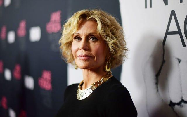 """Jane Fonda a piagnucoloni molestatori che perdono il lavoro: """"Spazza il pavimento da Starbucks finché non impari"""""""