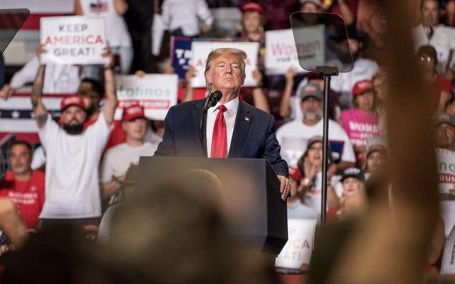 Trump Lainnya 'Orang Hispanik' Selama Seruan untuk Dukungan Latinx di Reli New Mexico