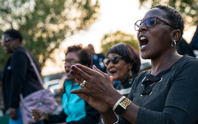新しい調査によると:政治家は黒人を気にしない