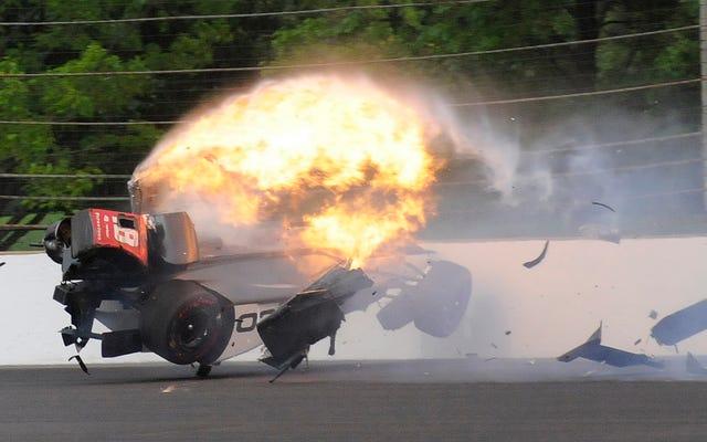 インディカーのドライバーは、大規模なクラッシュで腰と骨盤を骨折してから3か月後にレースをクリアしました