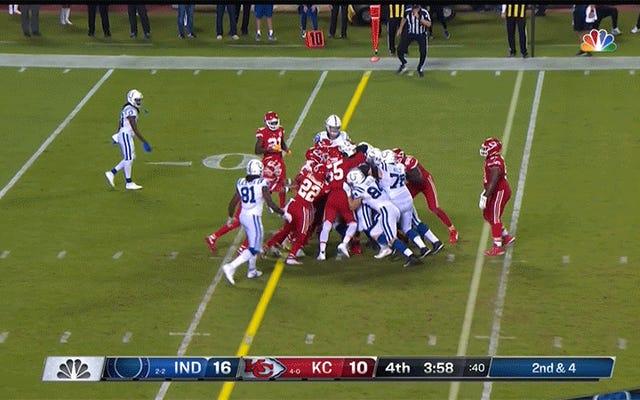 Colts आज उनके तख्तों से चीफों को बाहर निकालेंगे