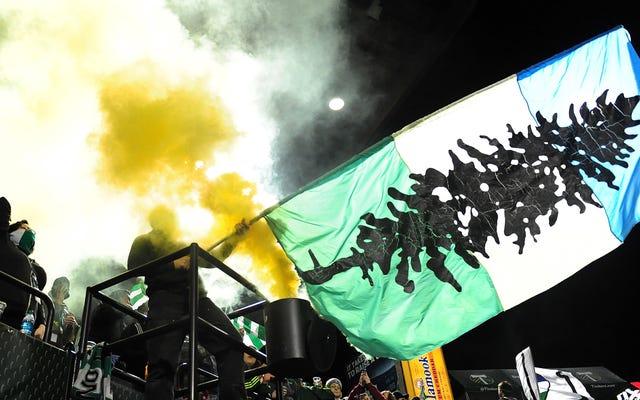 Rapport: MLS intensifie la querelle des fans stupides et suspend les partisans de Portland Timbers pour avoir agité des bannières avant en fer [MISE À JOUR]