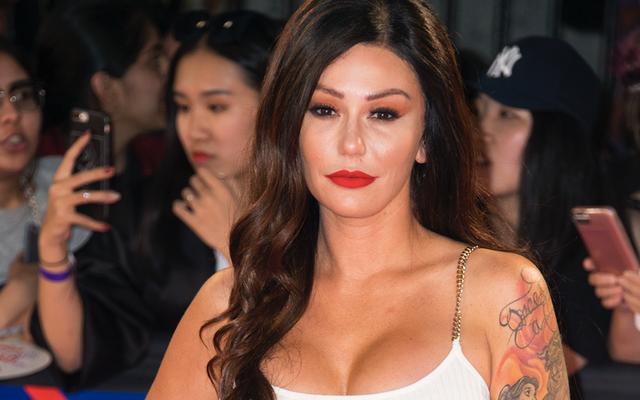 Jenni 'JWoww' Farley dice que su esposo distanciado abusó de ella
