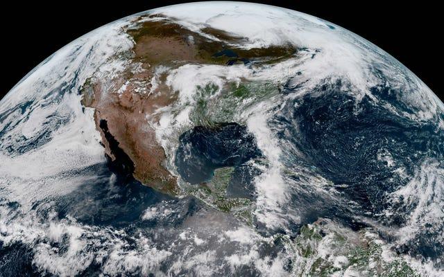Smetti di fare qualsiasi cosa tu stia facendo e guarda queste immagini dal nuovo satellite meteorologico della NOAA
