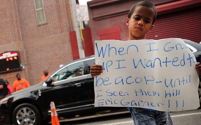 Quatre ans plus tard, le NYPD se prépare à discipliner un flic dans la mort d'Eric Garner