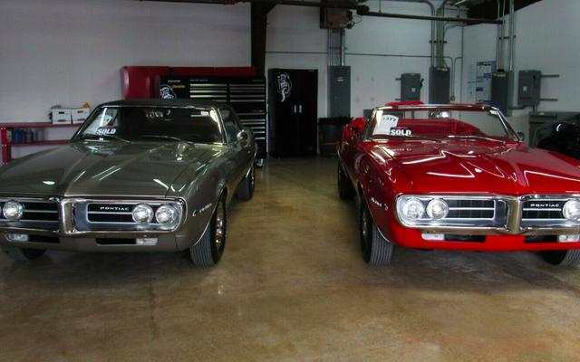 Pierwsze dwa Pontiac Firebirds, jakie kiedykolwiek zbudowano, są teraz dostępne w serwisie eBay za 285 000 $