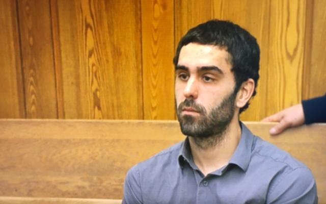Un homme accusé d'avoir déclenché une alarme incendie à l'hôtel des Steelers a dit aux flics qu'il était un fan des Patriots et qu'il était ivre