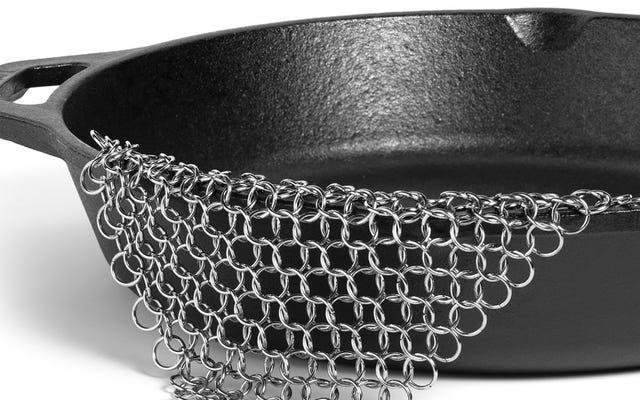 この超人気のチェーンメイルスクラバーは、鋳鉄製の鍋を掃除するための最良の方法です