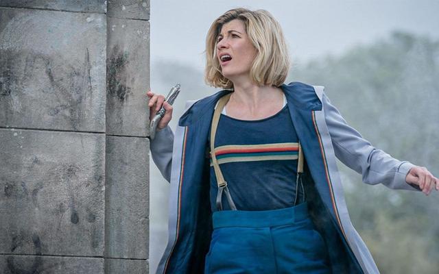 Steven Moffat s'attaque au docteur de Jodie Whittaker dans la dernière histoire courte de Doctor Who