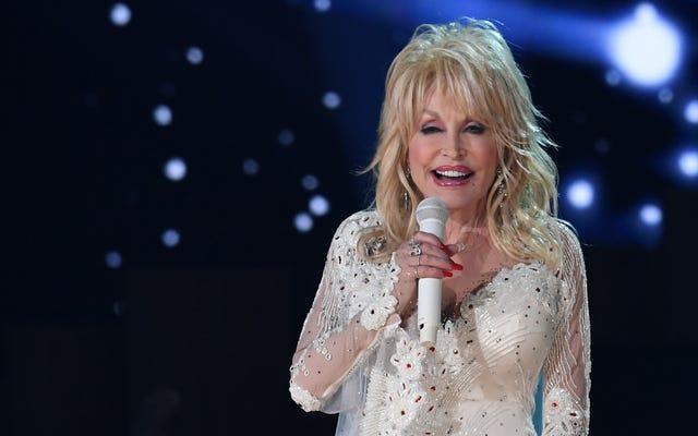 L'ange réelle Dolly Parton a sauvé la vie d'un enfant sur un plateau de cinéma