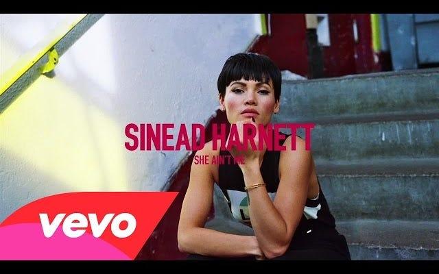 シニード・ハーネットの新曲「彼女は私ではない」はとてつもなく良い