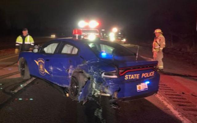 Pilote Tesla sur pilote automatique avec licence suspendue claque dans Michigan State Trooper