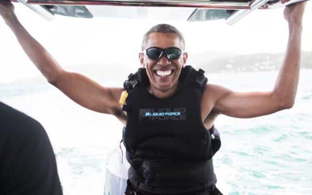 Cool papa Barack Obama est ici pour le kitesurf et la merde maintenant