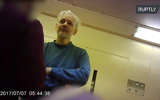 Chính thức Anh ký Lệnh dẫn độ Hoa Kỳ đối với Julian Assange bất chấp sự thù địch giữa Bộ trưởng Nội vụ Vương quốc Anh và Chế độ Trump