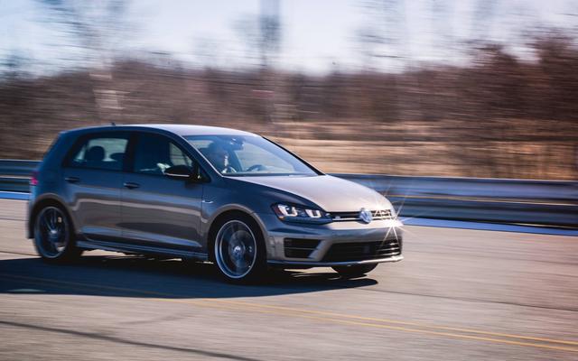 Découvrez les `` frais de reconditionnement '' insensés de ce concessionnaire sur une Volkswagen Golf R d'occasion