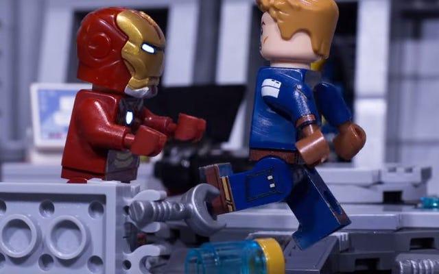 O Capitão América e o Homem de Ferro lutam no estilo Lego