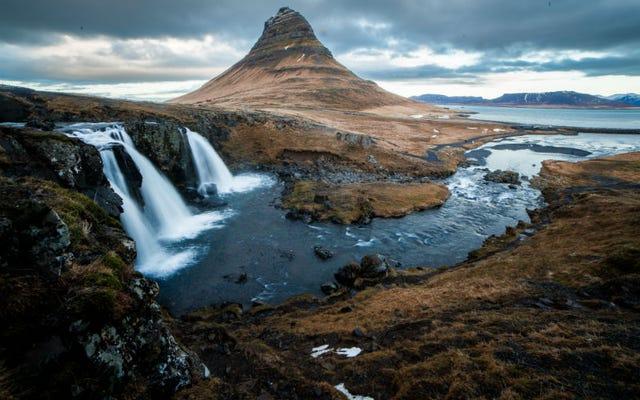 夏にアイスランドに行くときに正しく梱包する方法