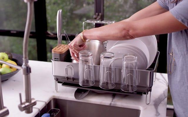 simplehumanの食器棚は台所の流し以外のすべてを乾かします
