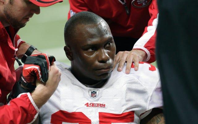 L'ancien joueur de la NFL Phillip Adams s'est fait enlever des médicaments, souffrant peut-être de CTE avant de tuer 5 personnes