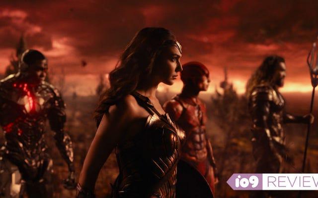 Justice League ไม่ได้ยอดเยี่ยม แต่เป็นการสร้างสิ่งที่ยิ่งใหญ่ที่จะตามมา