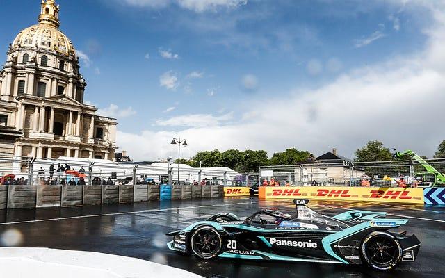 Un politicien est fou des `` moteurs fulgurants '' de la course de Formule E à Paris