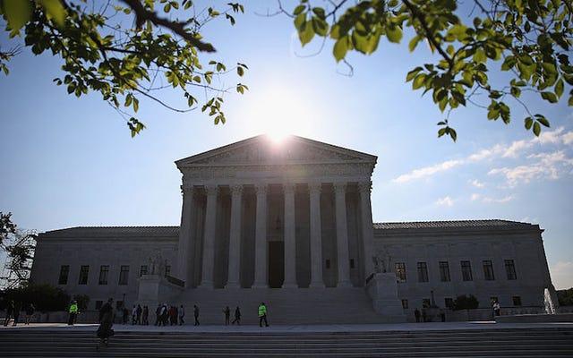 गर्भपात अधिकारों के लिए एक बड़ी जीत में, सुप्रीम कोर्ट ने टेक्सास के HB2 को असंवैधानिक घोषित किया