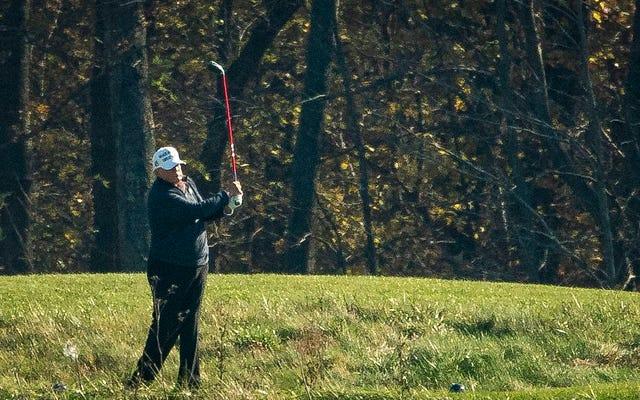 トランプは今ゴルフをするのに十分な時間があります