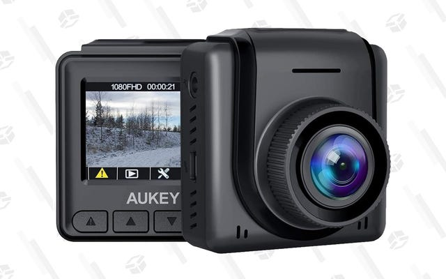 औकी के 1080p मिनी डैश कैम के साथ अपनी सड़क घटनाएं रिकॉर्ड करें, अब सिर्फ $ 26