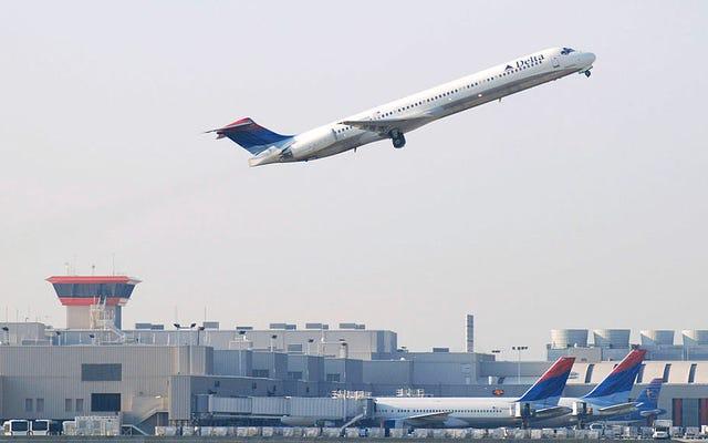 Bandara Grand Theft: Partai Republik Berusaha Merebut Bandara Tersibuk di Amerika Dari Kepemimpinan Kulit Hitam