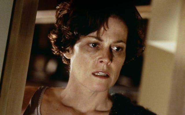 シガニーウィーバーは、ずる賢い性別政治で連続殺人犯スリラーで主演します
