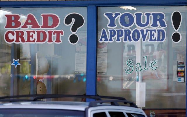 収入はあるがクレジットスコアが良くない場合、自動車ローンを取得するための最良の方法は何ですか?