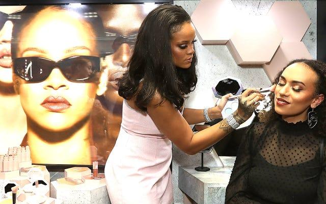 美容とファッションがリアーナをフォーブスの音楽界で最も高収入の女性のトップ10にとどめる