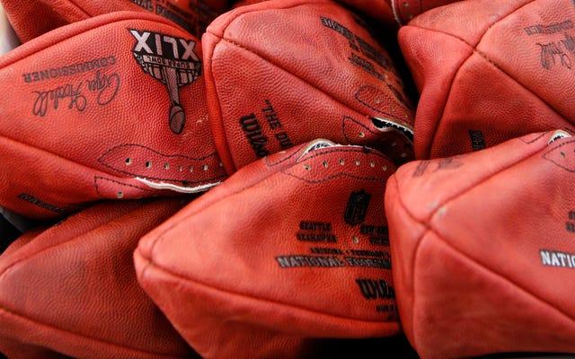 レポート:ペイトリオッツロッカールームアテンダントが公式の「未承認」ボールを贈った