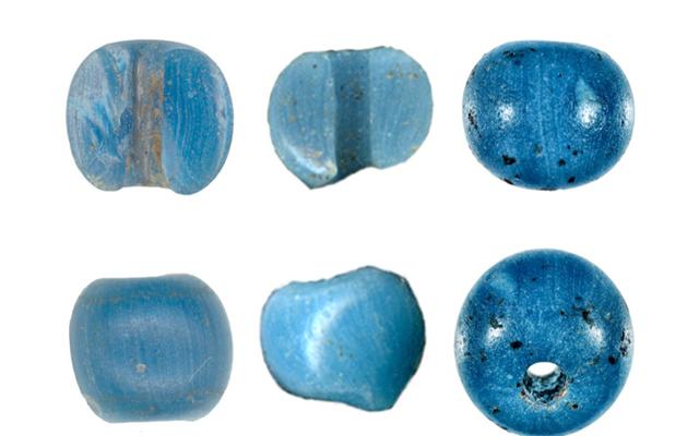 アラスカで見つかったこれらの青いビーズは、北米で最も古いヨーロッパの商品の証拠である可能性があります