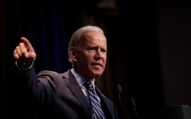 Chàng trai, rằng Joe chắc chắn biết cách để Pander: Joe Biden đã đánh bại Trump với KKK trong bài phát biểu tại Nhà thờ Đen