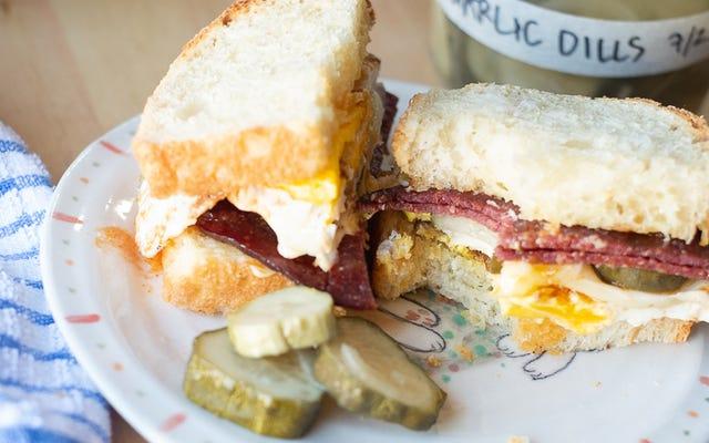 あなたの朝食サンドイッチは漬物が必要です